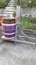 Machine pour tendre les tambours